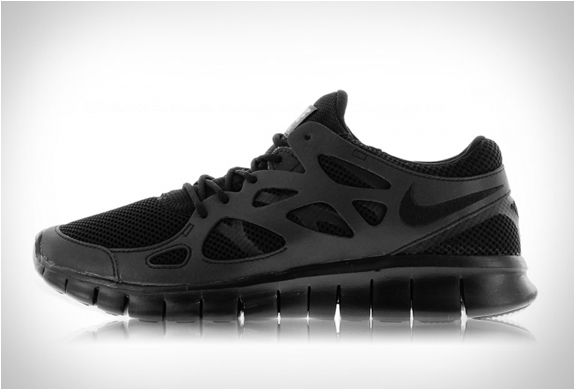 free run 2 all black