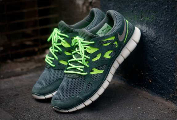 Nike Free Run 2 Vintage Green | Image