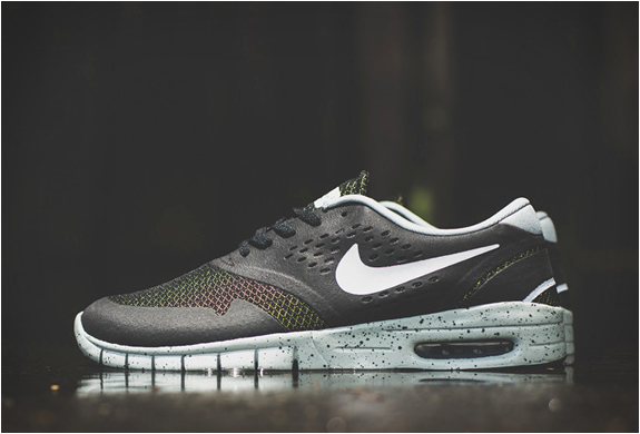 NIKE SB KOSTON 2 MAX | BLACK/VENOM GREEN | Image