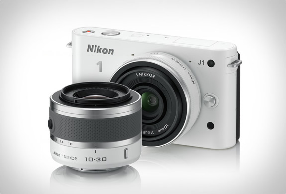 NIKON 1 J1 WHITE DIGITAL CAMERA | Image