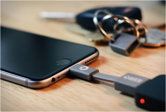 nomad-keyring-cable-4.jpg | Image