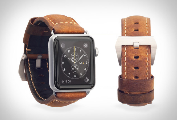 nomad-leather-strap-apple-watch-6.jpg