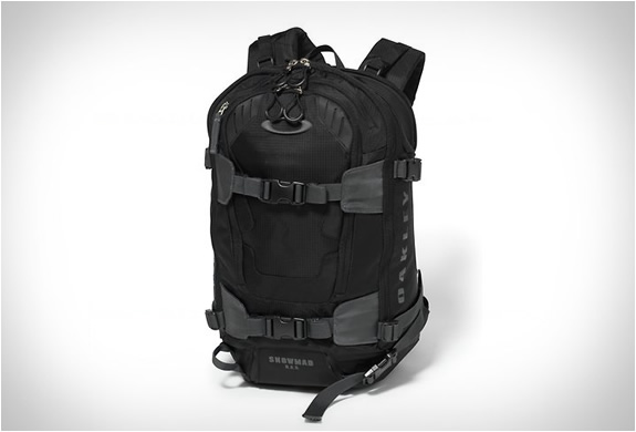 oakley-snowmad-ras-backpack-2.jpg | Image