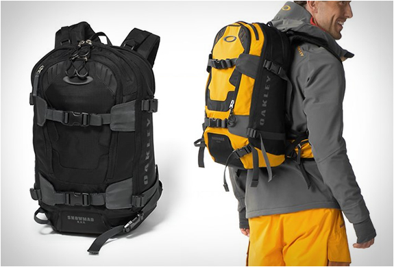 Oakley Snowmad Ras Backpack | Image
