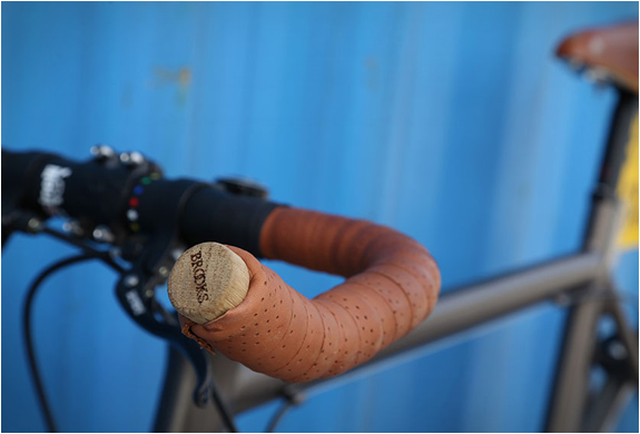 overlap-bikes-3.jpg | Image