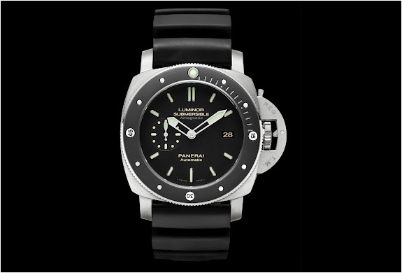 PANERAI PAM 389 LUMINOR SUBMERSIBLE | Image