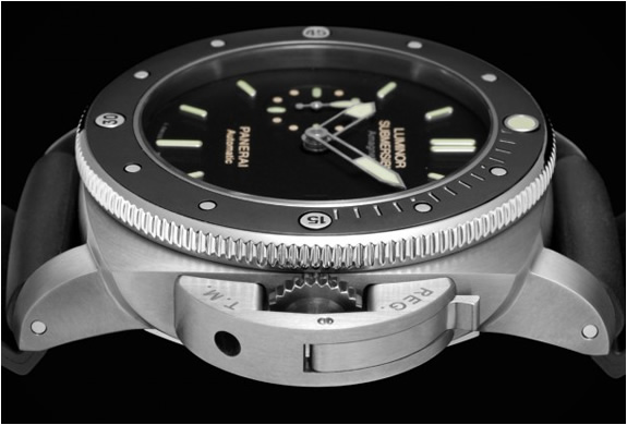 panerai-pam-389-luminor-submersible-3.jpg | Image