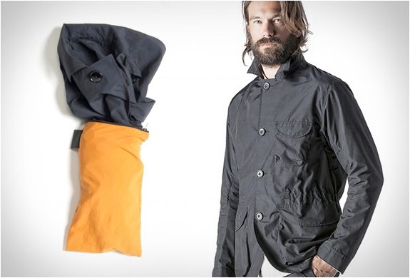 SADDLE PACKABLE JACKET | BY PEDALED | Image
