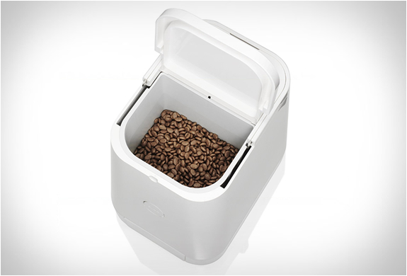 petly-automatic-pet-feeder-4.jpg | Image