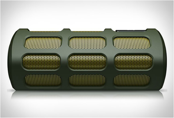 philips-shoqbox-bluetooth-portable-speaker-4.jpg