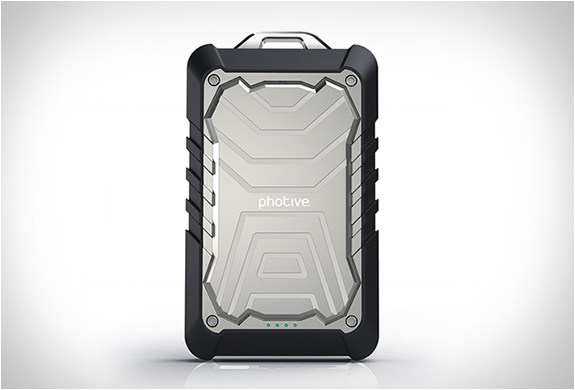 BOLT | RUGGED WATER RESISTANT PORTABLE BATTERY | Image