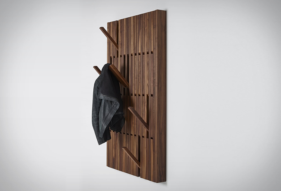 PIANO COAT RACK | Image