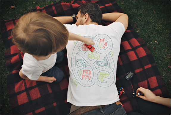 Play Mat Back Massage T-shirt | Image