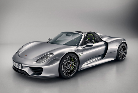 PORSCHE 918 SPYDER | OFFICIALLY UNVEILED | Image
