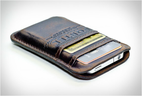 AGED LEATHER POCKET | FOR IPHONE | Image
