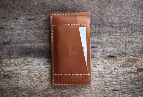 posh-projects-classic-iphone-wallet-2.jpg | Image