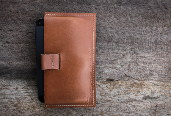 posh-projects-classic-iphone-wallet-3.jpg | Image