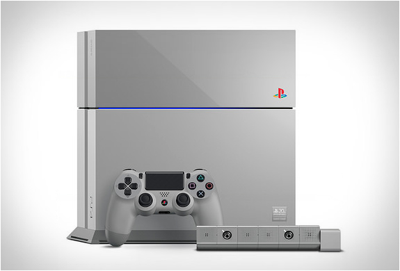 PS4 20TH ANNIVERSARY EDITION | Image