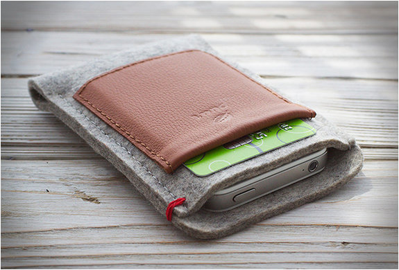 IPHONE WALLET | BY PUURCO | Image