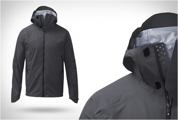 Qor Neoshell Lightweight Performance Jacket | Image