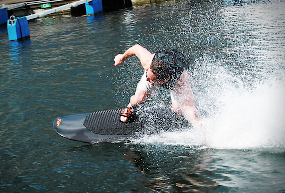 radinn-electric-wakeboard-7.jpg