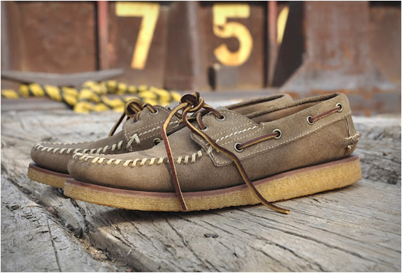 RED WING 9158 HAND SEWN MOCCASINS | Image