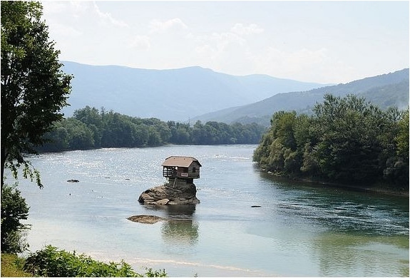 river-house-serbia-4.jpg | Image