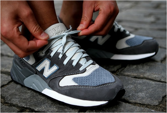 ronnie-fieg-new-balance-999-steel-blue-3.jpg | Image