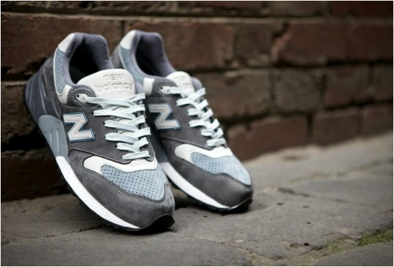 ronnie-fieg-new-balance-999-steel-blue.jpg | Image
