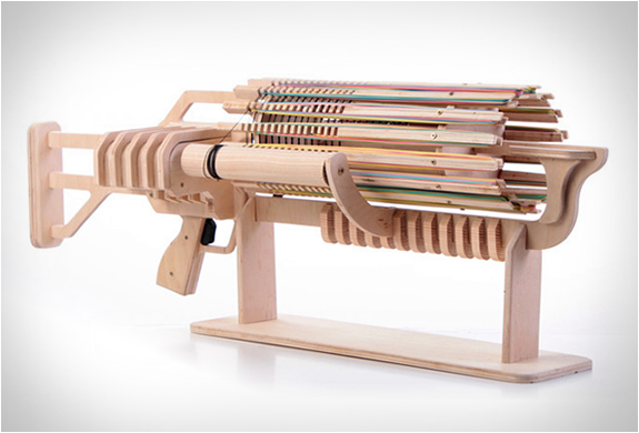 RUBBER BAND MACHINE GUN | Image