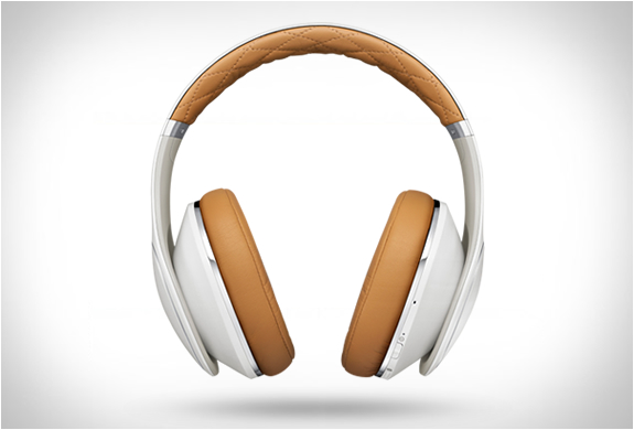 Samsung Level-over Headphones | Image