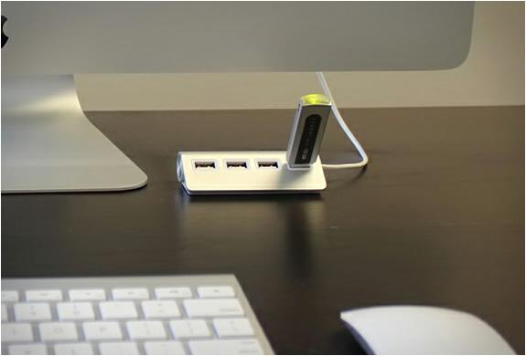 satechi-4-port-aluminum-usb-hub-3.jpg