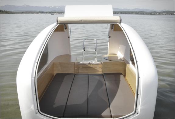 sealander-amphibious-camper-3-a.jpg