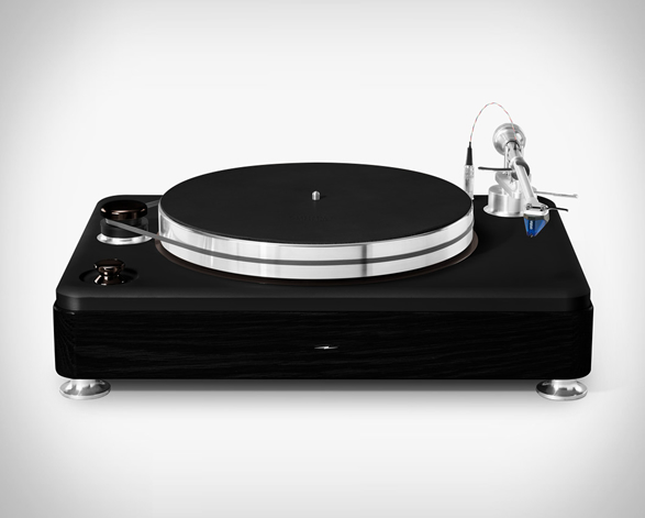 shinola-runwell-turntable-2.jpg | Image
