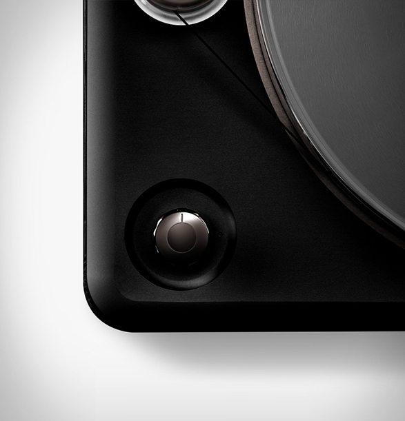 shinola-runwell-turntable-5.jpg | Image