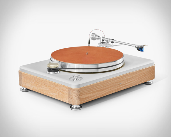 shinola-runwell-turntable-6.jpg