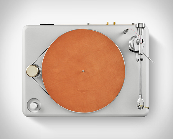 shinola-runwell-turntable-7.jpg