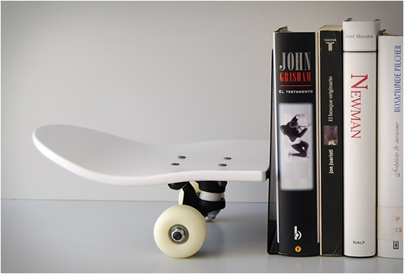 skate-home-tail-nose-bookends-2.jpg | Image