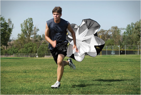 sklz-speed-training-parachute-3.jpg | Image