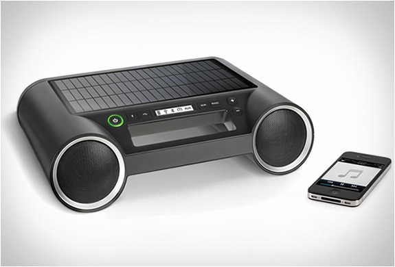 solar-powered-wireless-speaker-4.jpg | Image