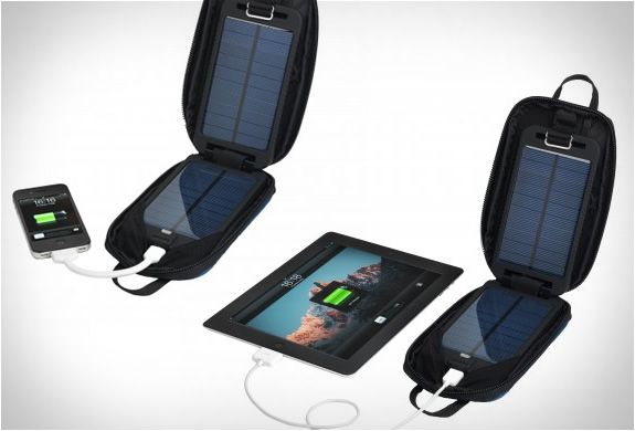 solarmonkey-adventurer-portable-charger-3.jpg