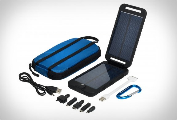 solarmonkey-adventurer-portable-charger-5.jpg