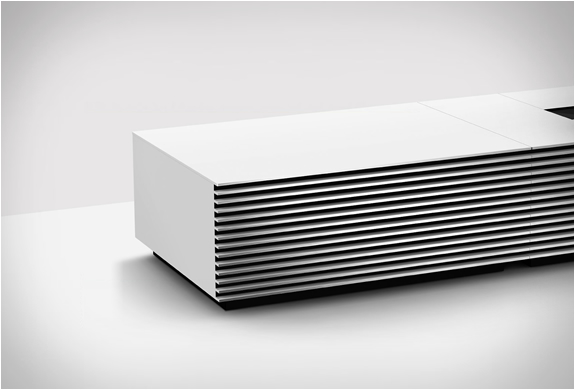 sony-4k-ultra-short-throw-projector-4.jpg | Image