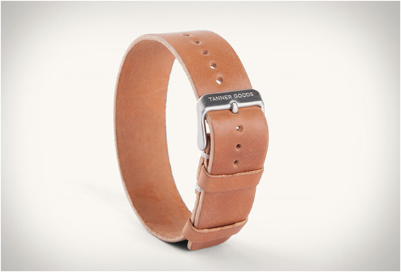 tanner-goods-single-pass-watch-strap-2.jpg | Image