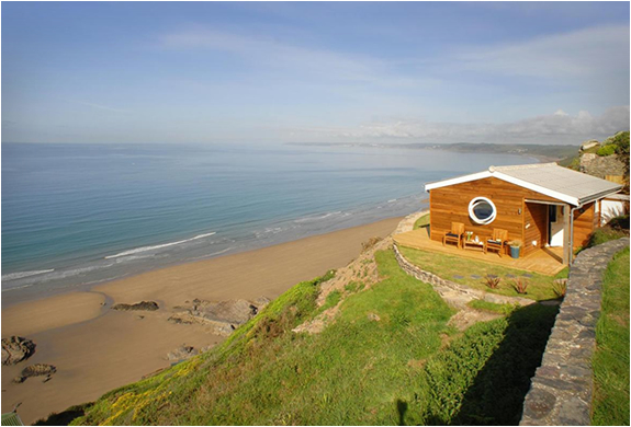 THE EDGE | CLIFF TOP BEACH COTTAGE | Image