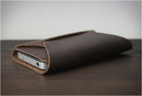 the-folded-iphone-carry-2.jpg | Image