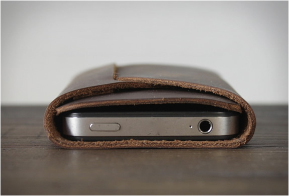 the-folded-iphone-carry-3.jpg | Image