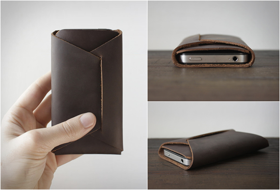 THE FOLDED IPHONE CARRY | Image