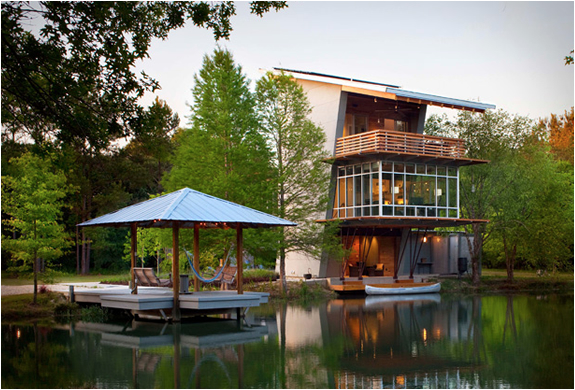 THE POND HOUSE | BY HOLLY & SMITH ARCHITECTS | Image