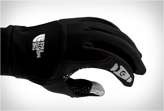 the_north_face_etip_gloves-5.jpg | Image